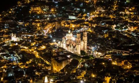 Παγκόσμια ανατριχίλα: Ο Ιησούς εμφανίστηκε στη «Μαγική Πόλη»; (video+photo)