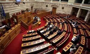 Απίστευτοι διάλογοι στη Βουλή: «Μήπως με γουστάρεις;» - «Άντε γ@@@σου!»