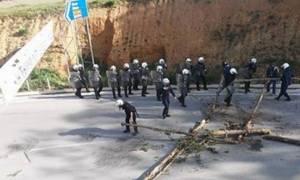 Ένταση στις Σκουριές: Επέμβαση των ΜΑΤ για να απομακρύνουν τους διαμαρτυρόμενους