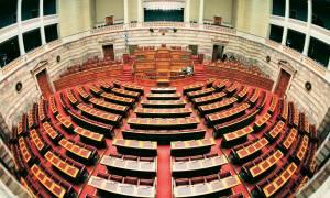 LIVE Βουλή: Η συζήτηση για τα θέματα ασφάλειας σε επίπεδο αρχηγών κομμάτων
