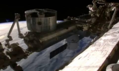 Παγκόσμια εξωγήινη συνωμοσία: Τι είδε η NASA και έκοψε τη μετάδοση από το Διεθνή Διαστημικό Σταθμό;
