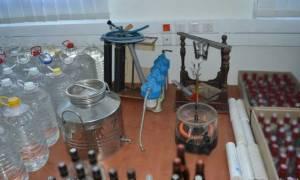Εξαρθρώθηκε κύκλωμα παρασκεύαζε και διακινούσε  λαθραία ποτά σε Θεσσαλονίκη και Κατερίνη