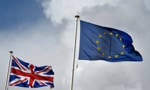 Βρετανία: Το «ναι» στην παραμονή της χώρας στην ΕΕ καταγράφει προβάδισμα 7%