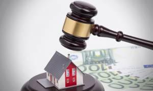Στα «κοράκια» τα σπίτια των Ελλήνων: Νόμιμο κρίθηκε από το ΣτΕ το νομοσχέδιο για τις κατασχέσεις