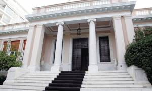 Ο ΣΥΡΙΖΑ θυμήθηκε πώς πρέπει να χτυπήσει τη διαπλοκή την ώρα που «παρακαλά» για τέταρτο μνημόνιο