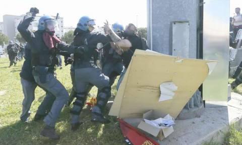 Ιταλία: «Μάχες» διαδηλωτών και αστυνομικών στην Πίζα (pic+vid)