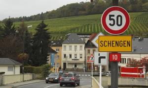 Προσφυγικό: Η Γερμανία θα ζητήσει από την Κομισιόν επέκταση των συνοριακών ελέγχων εντός Σένγκεν