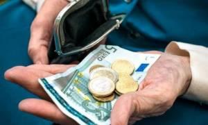 Ασφαλιστικό: «Σταυρώνει» τους συνταξιούχους η κυβέρνηση