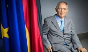 Ο Σόιμπλε υπέρ της μείωσης των φόρων στο εισόδημα...αλλά στη Γερμανία