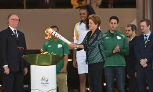 Ολυμπιακοί Αγώνες - Ρίο: Στην Βραζιλία έφτασε η Ολυμπιακή Φλόγα (photos&video)