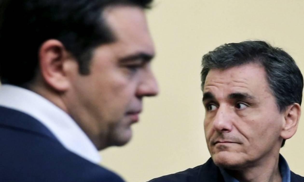 Συναγερμός στην κυβέρνηση ενόψει Eurogroup - Αγώνας δρόμου για Τσίπρα, Τσακαλώτο