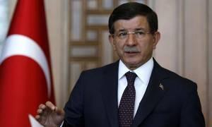 Δεν αποκλείει χερσαία επέμβαση στη Συρία ο Νταβούτογλου