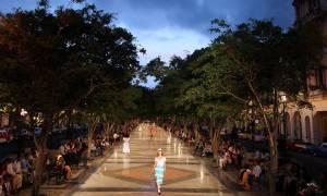 Η ιστορική επίδειξη μόδας της Chanel στην Κούβα! (pics)