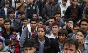 Περίπου 1.700 παράτυποι μετανάστες επέστρεψαν στις χώρες τους τον Απρίλιο
