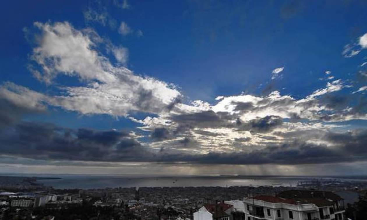 Με συννεφιά και τοπικές βροχές ο καιρός της Παρασκευής (pics)