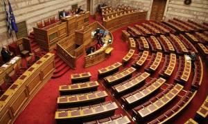 «Βροχή» τροπολογιών στη Βουλή: Βγάζουν… λάδι τον Σταθάκη και «πετσοκόβουν» το αφορολόγητο!