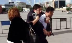 Βίντεο: Η απόπειρα δολοφονίας του Τούρκου δημοσιογράφου που εξέθεσε τον Ερντογάν