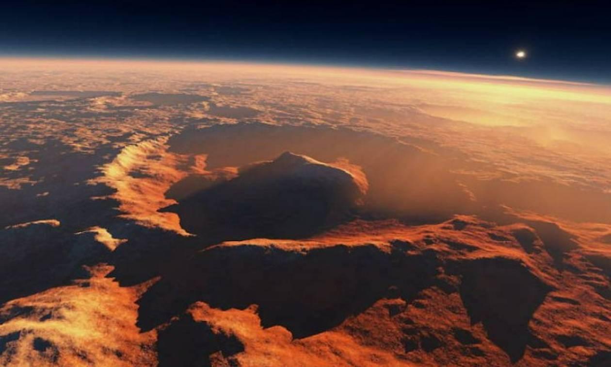 Εντυπωσιακό! Η NASA φωτογραφίζει την πολύχρωμη πλευρά του πλανήτη Άρη (pic)