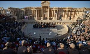 Συρία: Ιστορική συναυλία στα ερείπια της Παλμύρας (pic+vid)