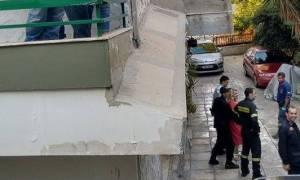 Π. Φάληρο: Γυναίκα σε αμόκ «σήκωσε στο πόδι» όλη την περιοχή