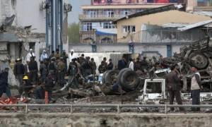 Αφγανιστάν: Τουλάχιστον 50 νεκροί από σύγκρουση λεωφορείων με βυτιοφόρο