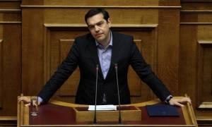 Μας κοροϊδεύει ο Τσίπρας: «Δεν θα μειωθούν οι συντάξεις»
