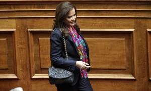 Γιατί απουσίασε από την ψηφοφορία για το ασφαλιστικό η Ντόρα Μπακογιάννη