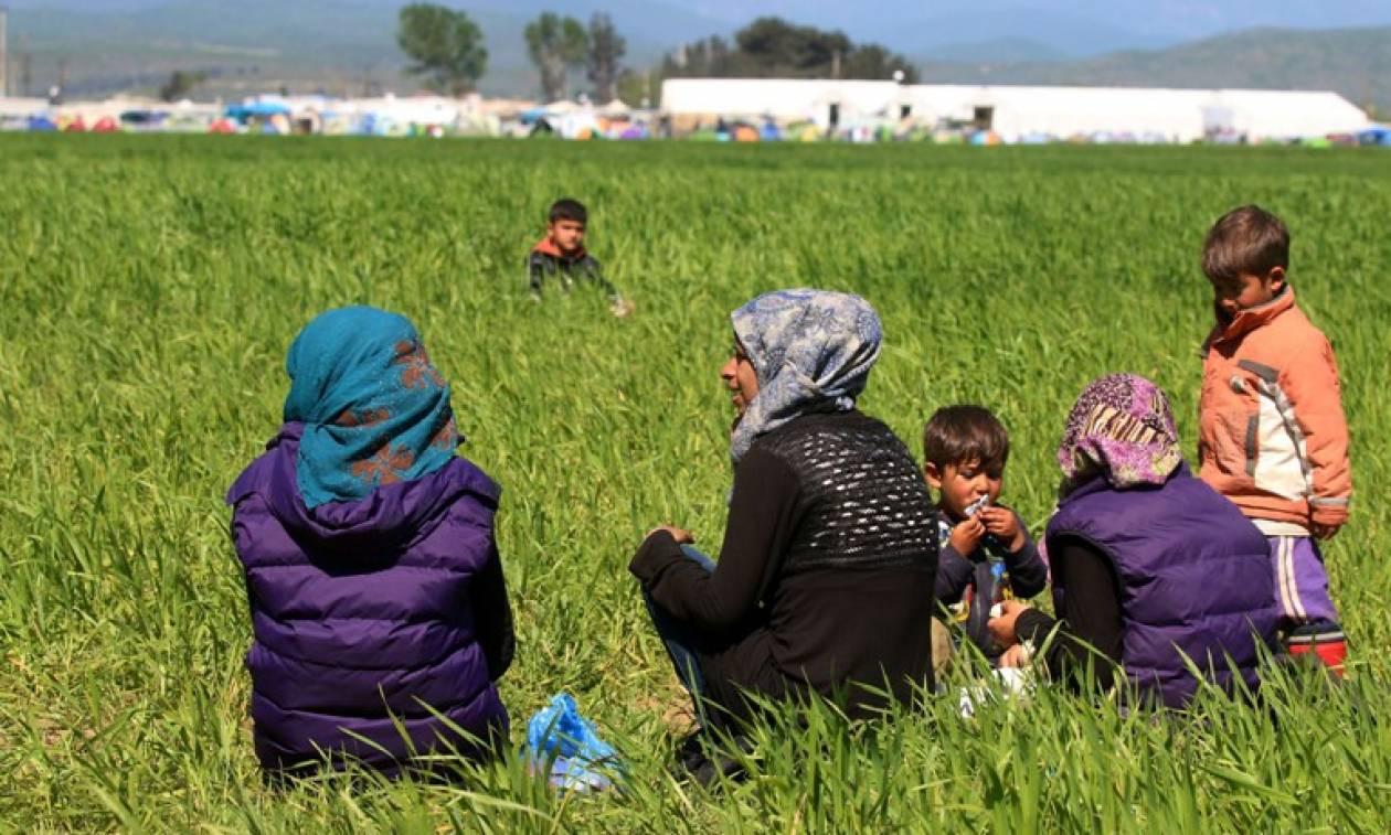 Κυκλώματα διακινητών πλουτίζουν στην Ειδομένη
