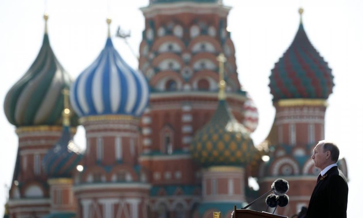 Η Ρωσία γιορτάζει την Ημέρα της Νίκης επί της ναζιστικής Γερμανίας (Pics & Vids)