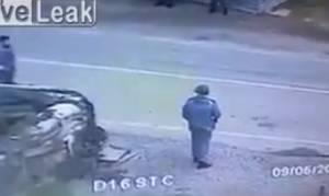 Σοκαριστικό βίντεο: Η στιγμή που βομβιστής αυτοκτονίας πυροδοτεί τα εκρηκτικά