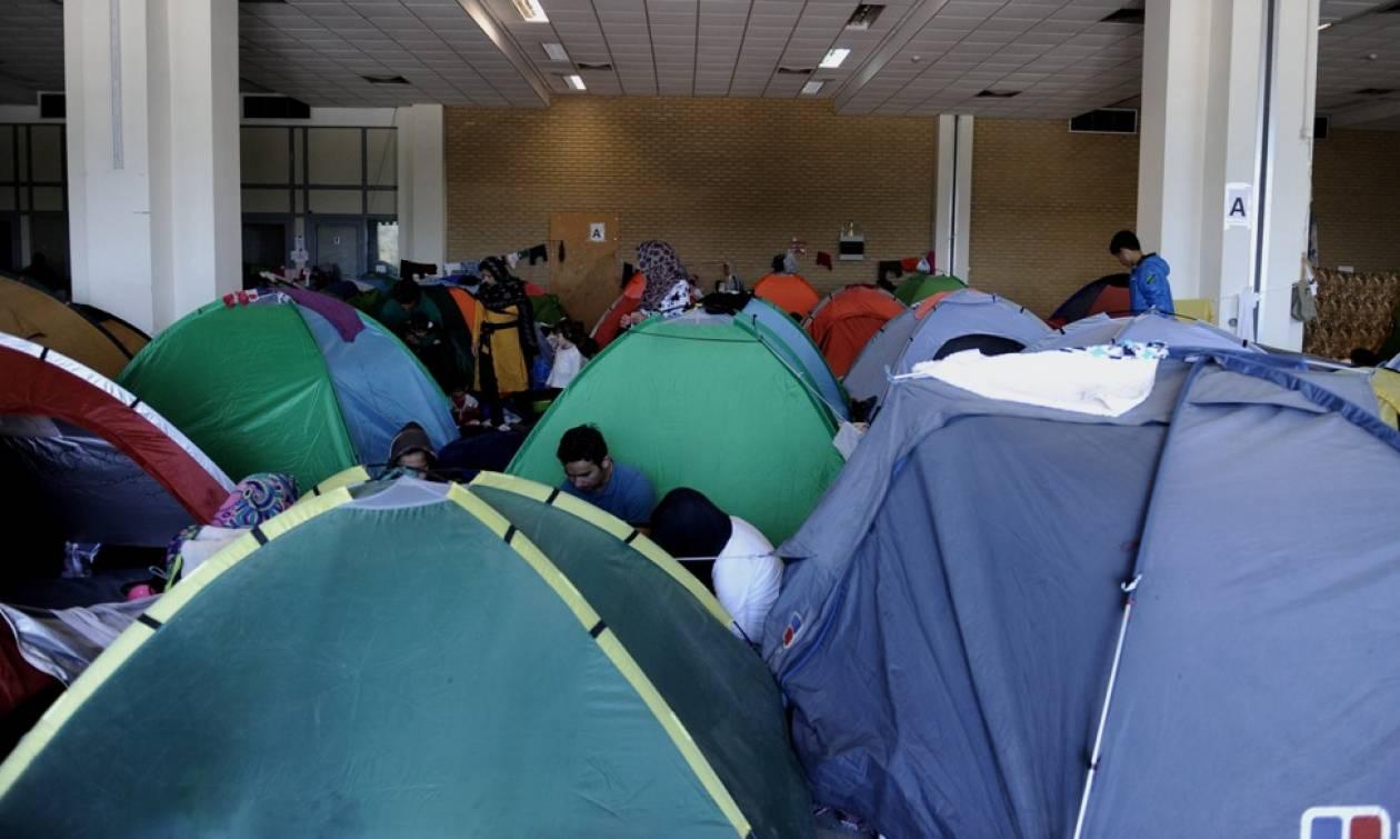 Σε απεργία πείνας χίλιοι πρόσφυγες στο Ελληνικό