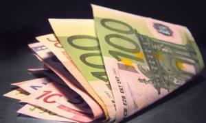 Έρευνα: Πληρωμές με μετρητά συνεχίζουν να προτιμούν οι Έλληνες