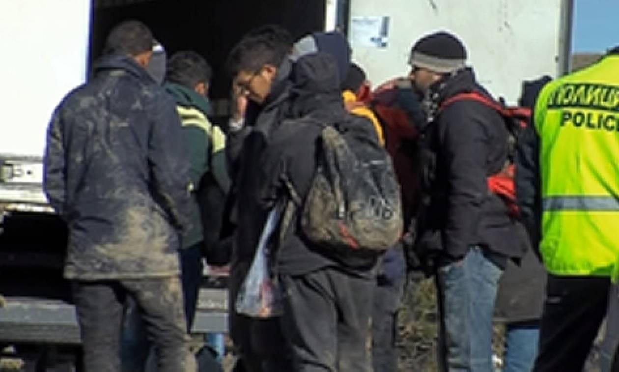 Σκόπια: Φορτηγό μετέφερε παράνομα δεκάδες μετανάστες από την Ειδομένη