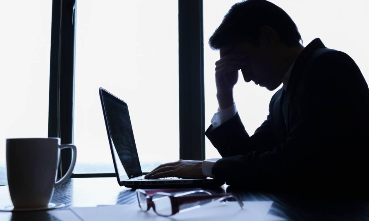 Η κυβέρνηση οδηγεί στο «θάνατο» τους ελεύθερους επαγγελματίες με επιβαρύνσεις έως και 300%