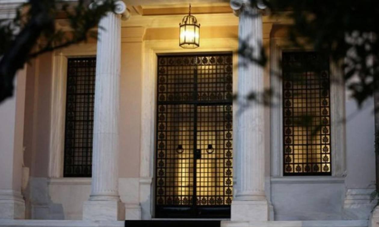 Κυβέρνηση: «Κόφτης» είναι ο κ. Μητσοτάκης