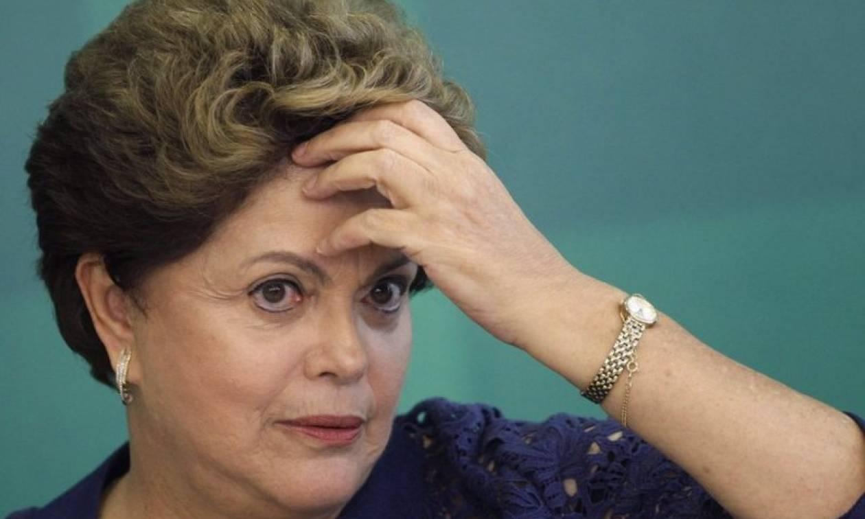 Απόφαση-σταθμός στη Βραζιλία: Η Γερουσία παραπέμπει σε δίκη την Πρόεδρο Ρουσέφ (Vids)