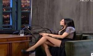 Μας έστειλε αδιάβαστους το σταυροπόδι της Αλεξανδράκη! (video, photos)