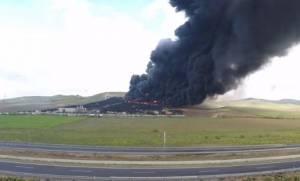 Ισπανία: Πυρκαγιά σε παράνομη χωματερή ελαστικών απειλεί την υγεία των πολιτών (pic+vid)