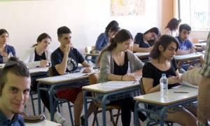 Πανελλήνιες 2016: Αυτά είναι τα μυστικά για να αριστεύσετε στη Νεοελληνική Γλώσσα