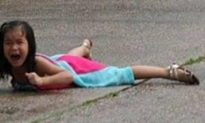 Ένα 5χρονο κοριτσάκι δέχθηκε επίθεση - Δεν πάει ο νους σου από τι (photo)