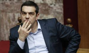 Ανασχηματισμός: Ανακάτεμα της τράπουλας με Πασόκους αναζητά ο Τσίπρας