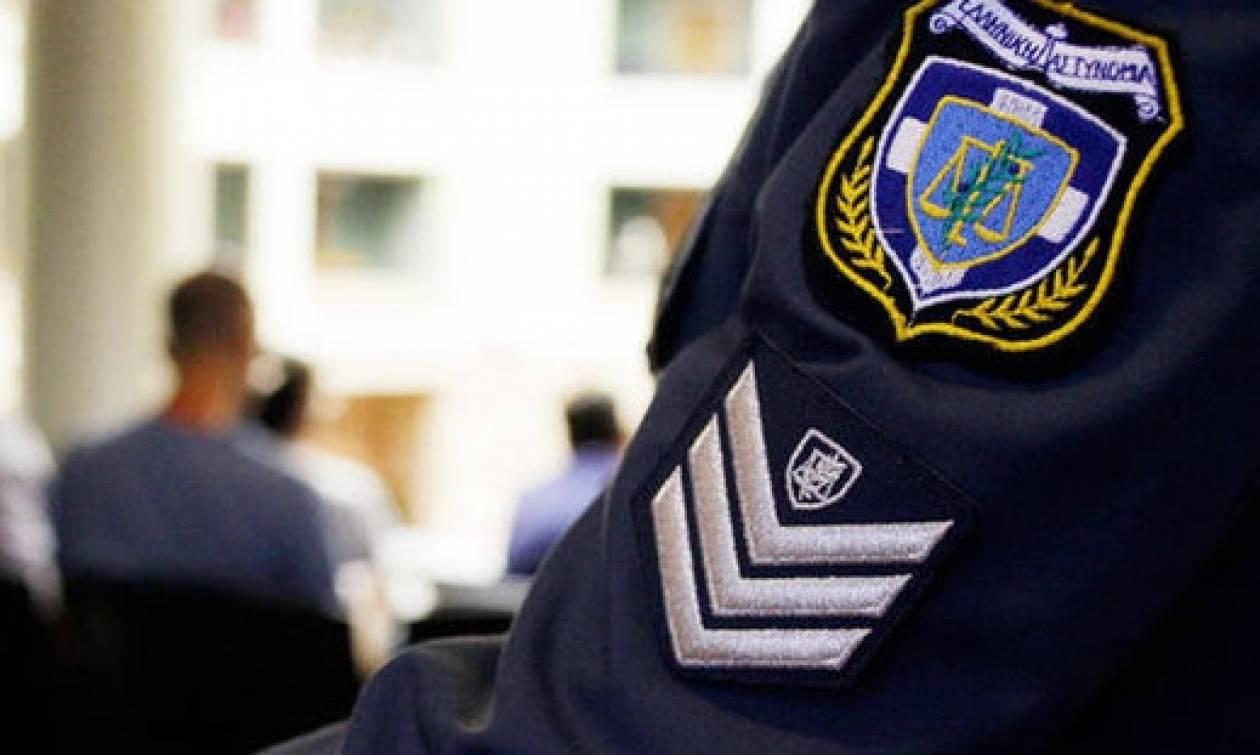 Αλόγιστες σπατάλες: Πόσο κοστίζουν οι στολές των ειδικών φρουρών της Βουλής;