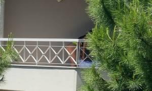 Θεσσαλονίκη: Ποια ηθοποιός «τα πέταξε» στο μπαλκόνι;