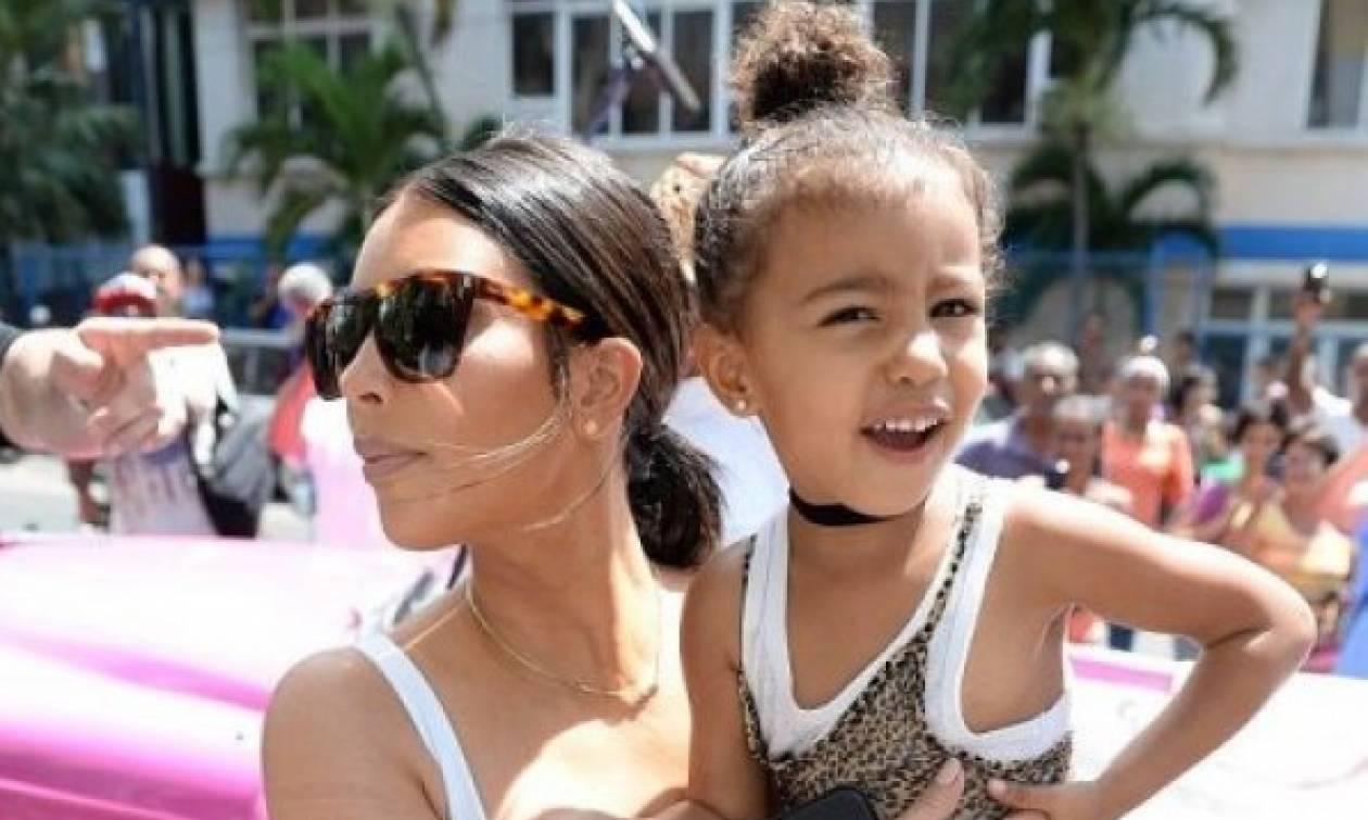 Ποιος Kanye West; Η North είναι ίδια η Kim Kardashian και ιδού το αποδεικτικό υλικό