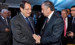 Κυπριακό: Λύση το 2016 ελπίζουν Αναστασιάδης – Ακιντζί
