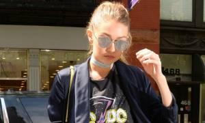 Η Gigi Hadid σου προτείνει το πιο cool και άνετο σύνολο για να φορέσεις την Κυριακή