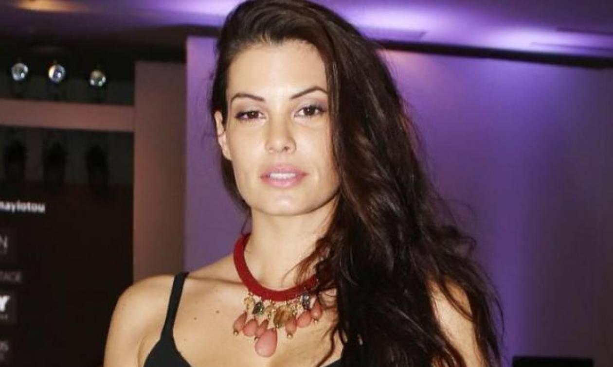 Δεν φαντάζεστε με ποιο τρόπο έπεσε στο κρεβάτι της η Μαρία Κορινθίου (video)