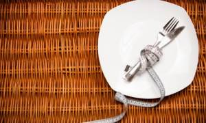 Κάνετε δίαιτα; Ποιες είναι οι «επικίνδυνες» περιστάσεις που πρέπει να αποφεύγετε