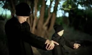 Φρίκη δίχως τέλος: Παιδιά εκτελούν ομήρους σε νέο σοκαριστικό βίντεο του ISIS