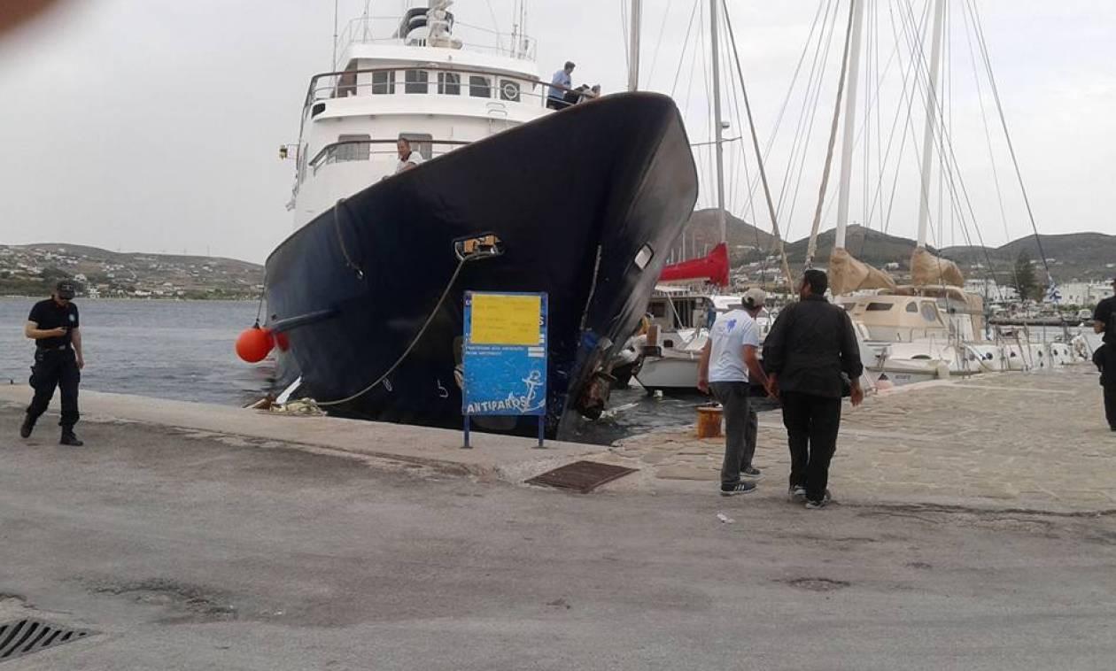 Γκαφατζής καπετάνιος πήρε «παραμάζωμα» ιστιοπλοϊκό και καταμαράν (photos)
